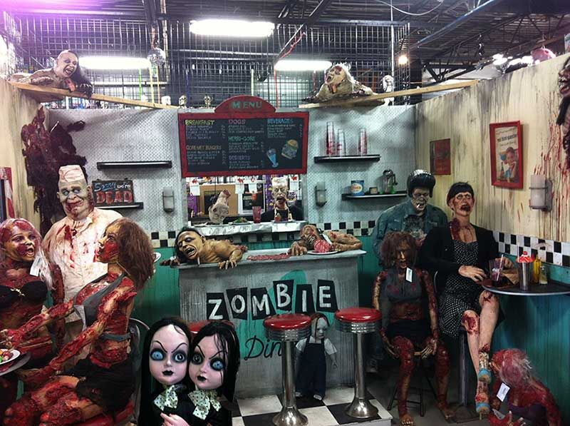i thought maybe we could share some pictures of great halloween store displays that we came - Halloween Party Store
