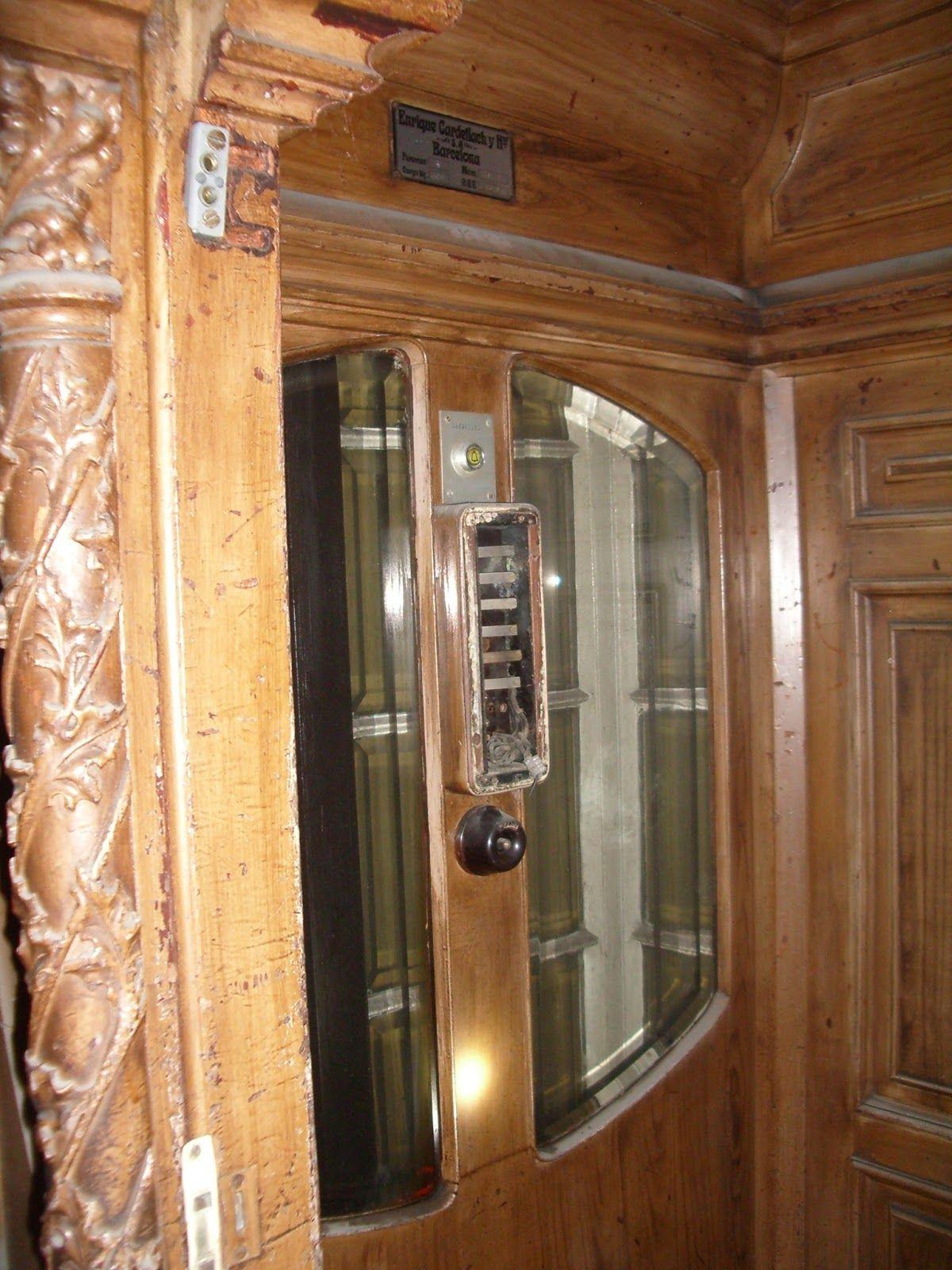 Casa Bur S Construida Entre 1900 Y 1905 Barcelona Ascensor  # Muebles Riera Pascual