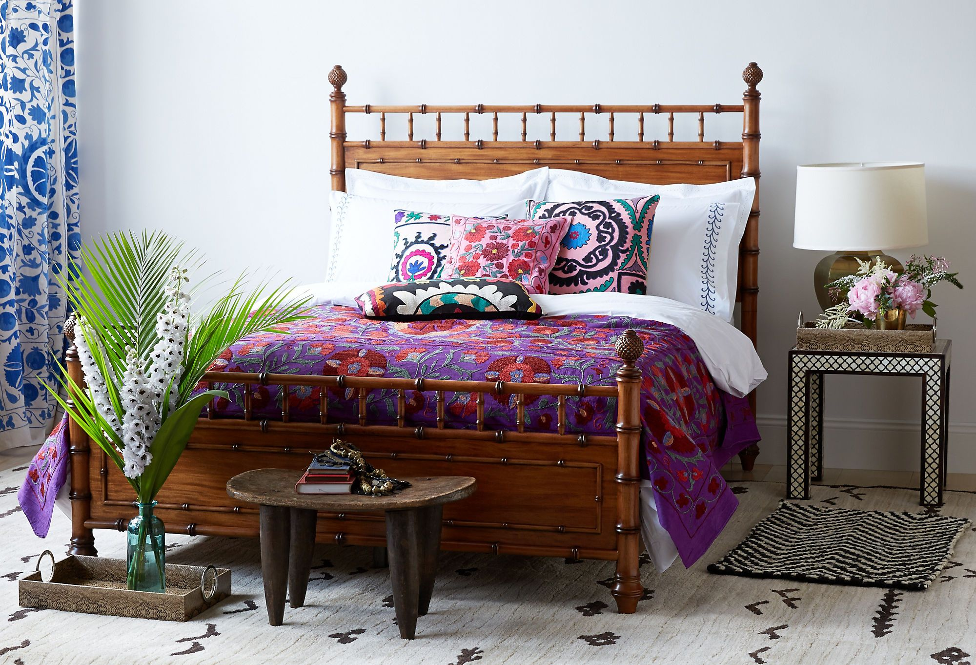 love the look a bright lively bedroom take vibrant worldly rh pinterest es