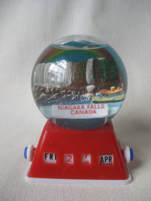 Vintage Niagra Falls Snow Globe and Date Snow globes