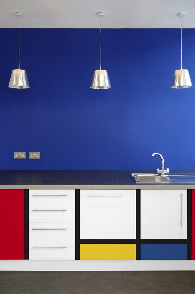 KTRIBE S1 pendant lamps by Philippe Starck from FLOS and this Mondrian inspired kitchen. Found on easyDesign artFolie Mondrian von monofaktur | Flickr - Photo Sharing!