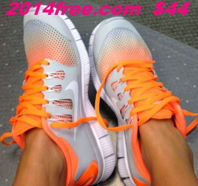 OMG what I would do for these shoes!! $100 New Womens NIKE