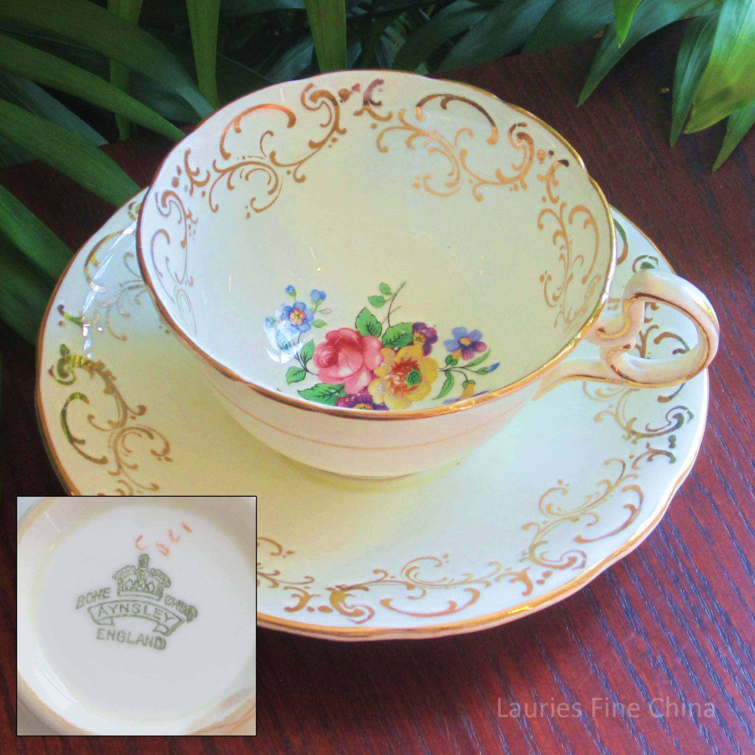 Aynsley Unnamed Cream with Flowers Bone China Tea Cup and
