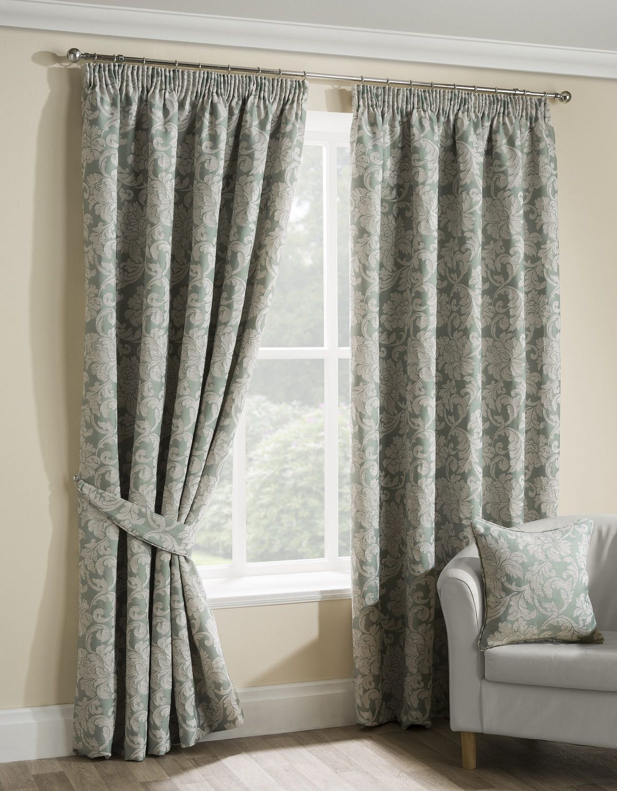 Luxury Ready Made Curtains In This Heavy Woven Fabric Assorted Sizes Available Cool Curtains Pleated Curtains Room Darkening Curtains