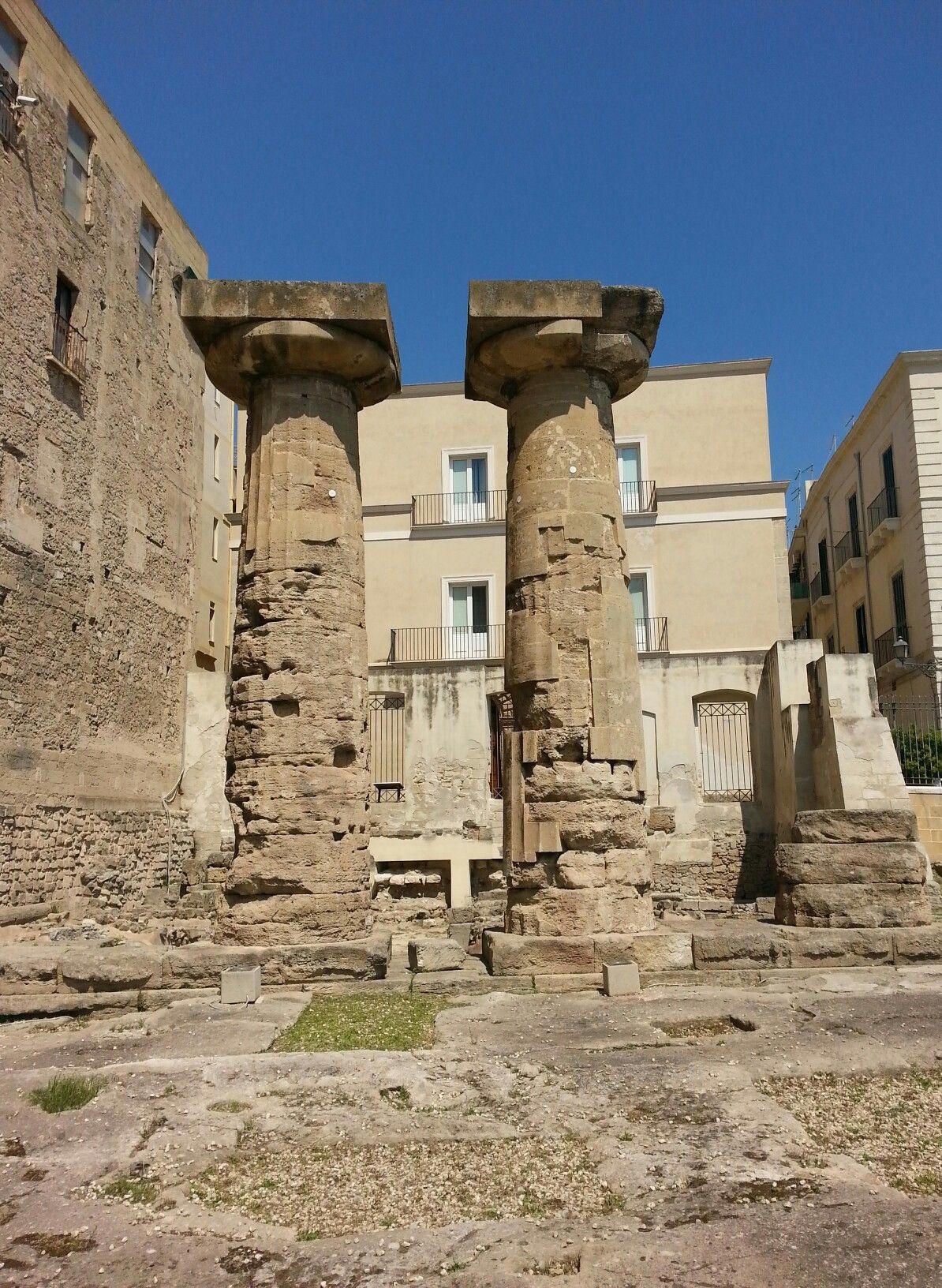 TARANTO  Resti del Tempio di Poseidone