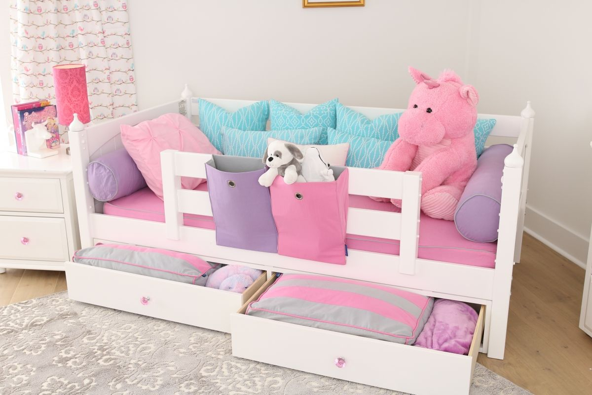Loft bed railing ideas  Day Bed with guard rails great option for Toddlers Can be later