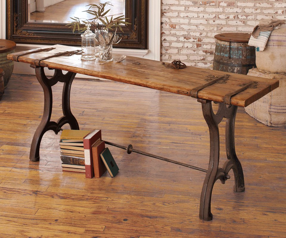 Vintage Door Console Table By Napastyle I Love The Old World Style Of This Would Look Excellent As A Buffet Or Side