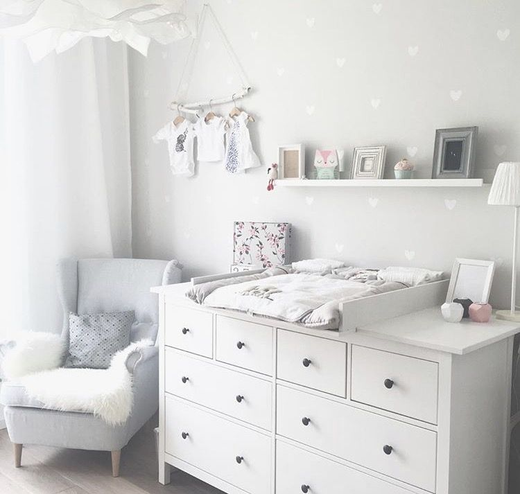 kinderzimmer ikea hemnes wickelkommode baby girl pinterest und. Black Bedroom Furniture Sets. Home Design Ideas