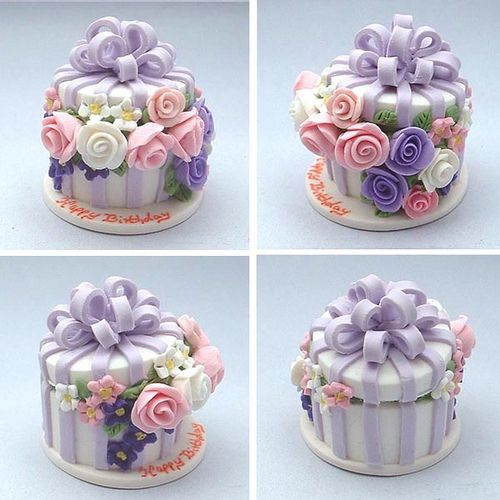 Flower Box Cake - dollhouse miniature by Blue Kitty Miniatures, via Flickr