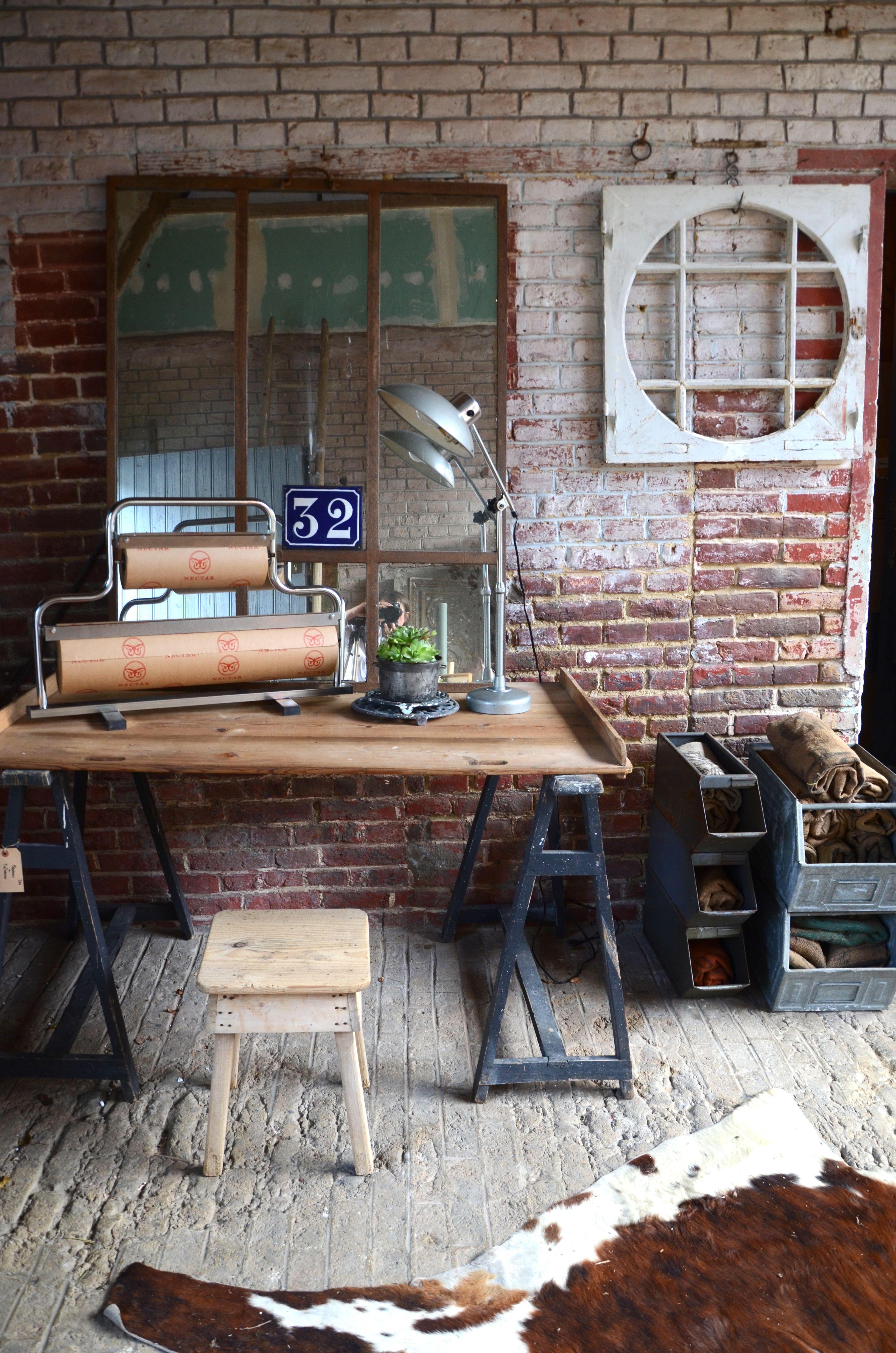 brocante de charme industrielle et vintage