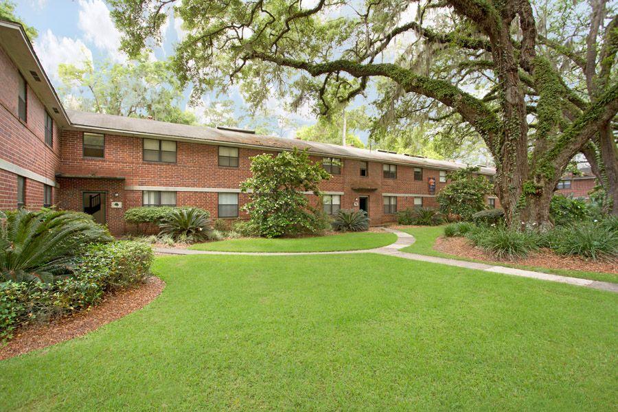 One Bedroom Apartments In Gainesville College bedroom