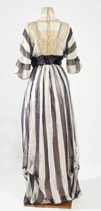 1900s Titanic Fashion