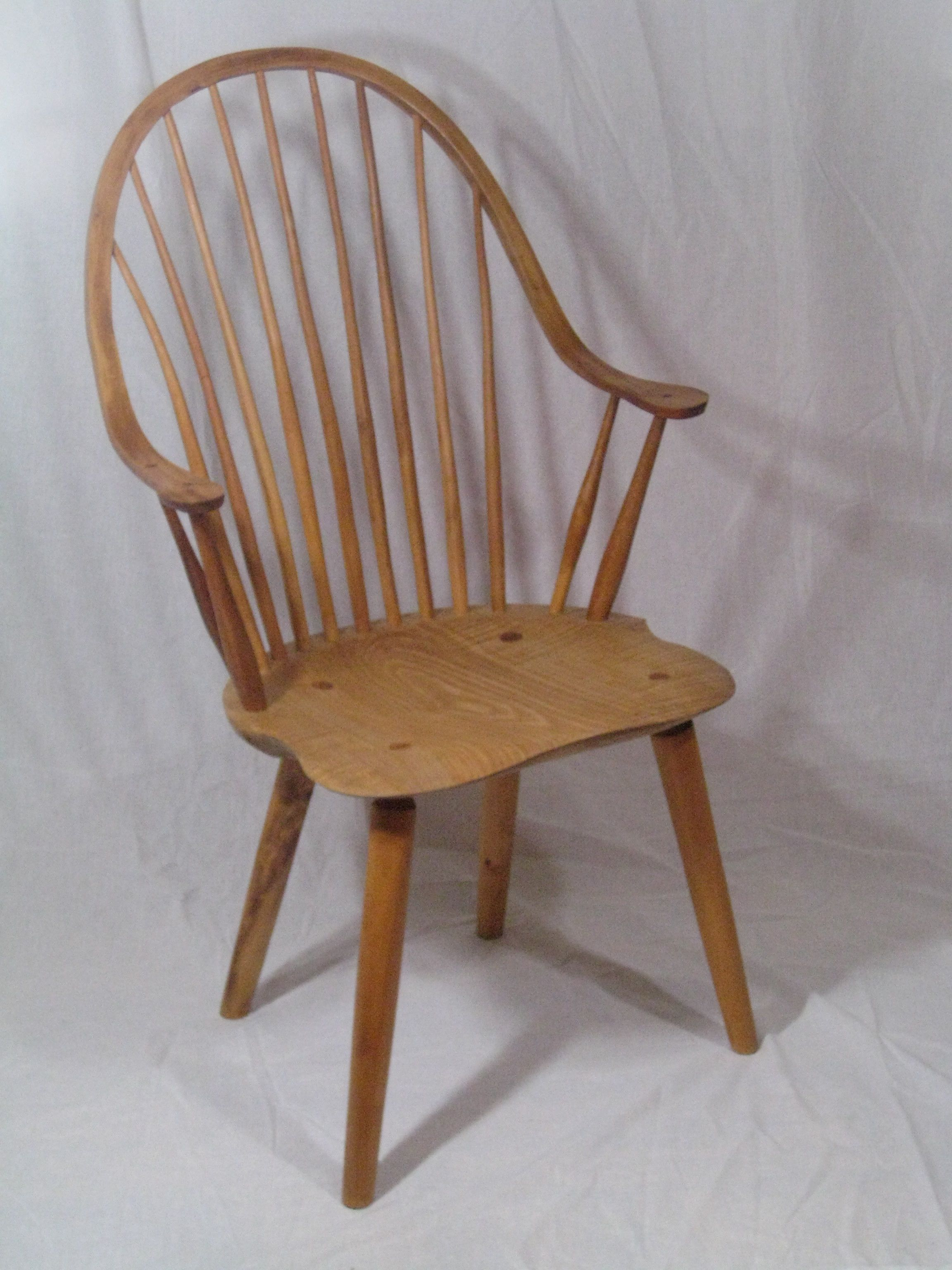 Modern continuous arm windsor chair yew and maple wooden furniture arm log furniture