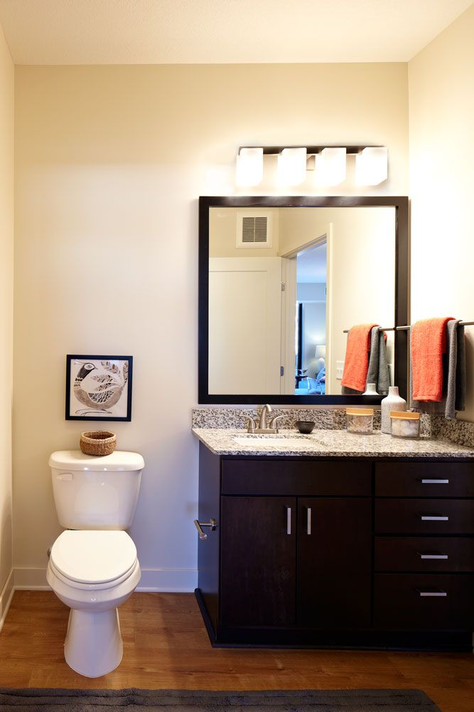 Ultra Chic North Loop Apartments in Downtown Minneapolis Junction - Design Bathroom