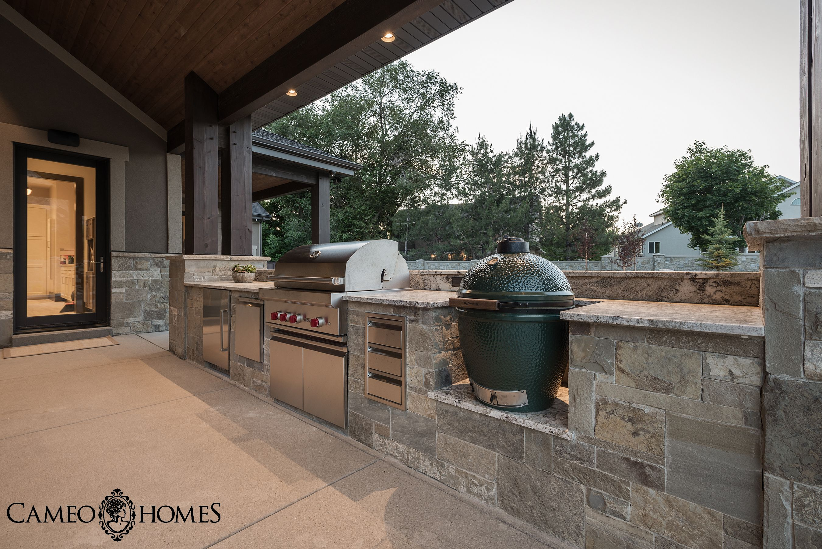 outdoor kitchen in utah by cameo homes inc with sub zero wolf rh pinterest com