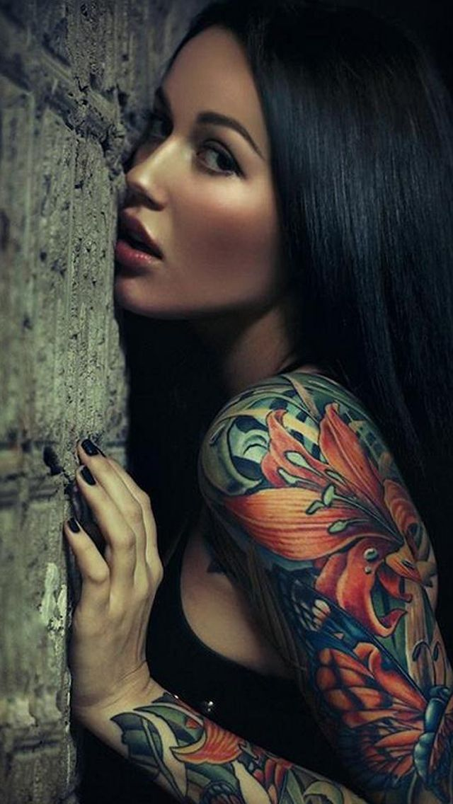 With tattoos girl sexy sleeve
