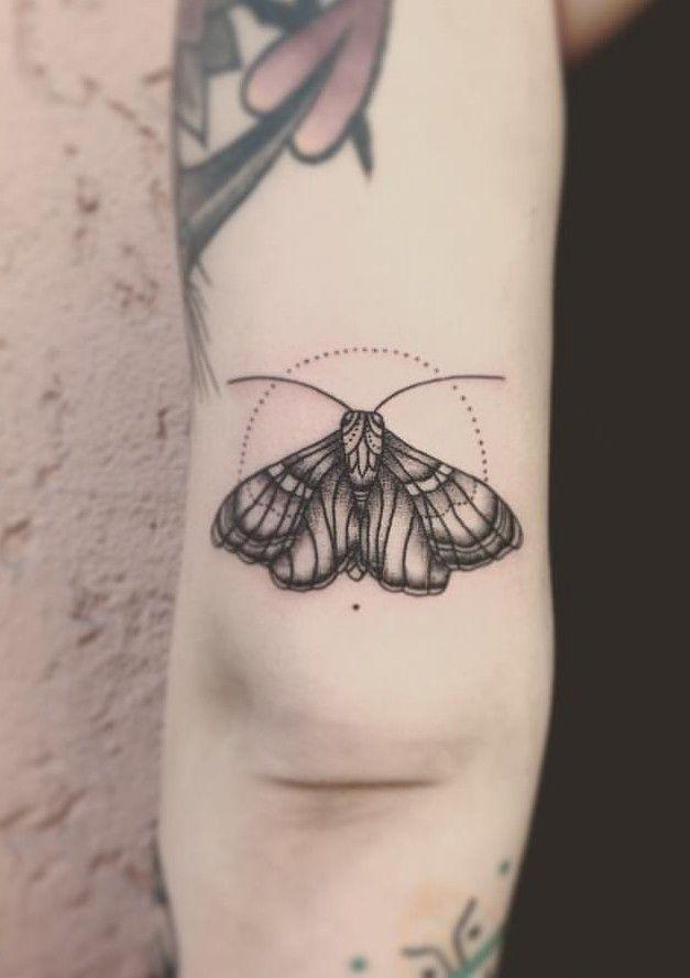 Pin By Dini On Tattoo Tasteful Tattoos Small Tattoos Moth Tattoo