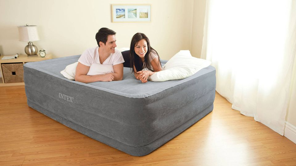 top 5 best air beds comfortable inflatable beds for guests rv rh pinterest com