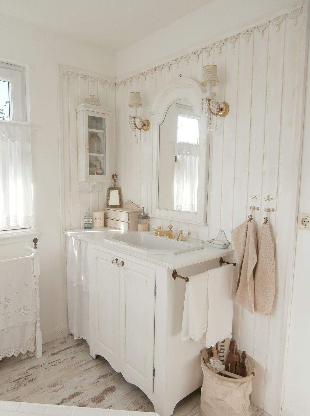 ideas for bathrooms decorating%0A Nice    Stunning Shabby Chic Bathroom Decoration Ideas  https   homeastern com