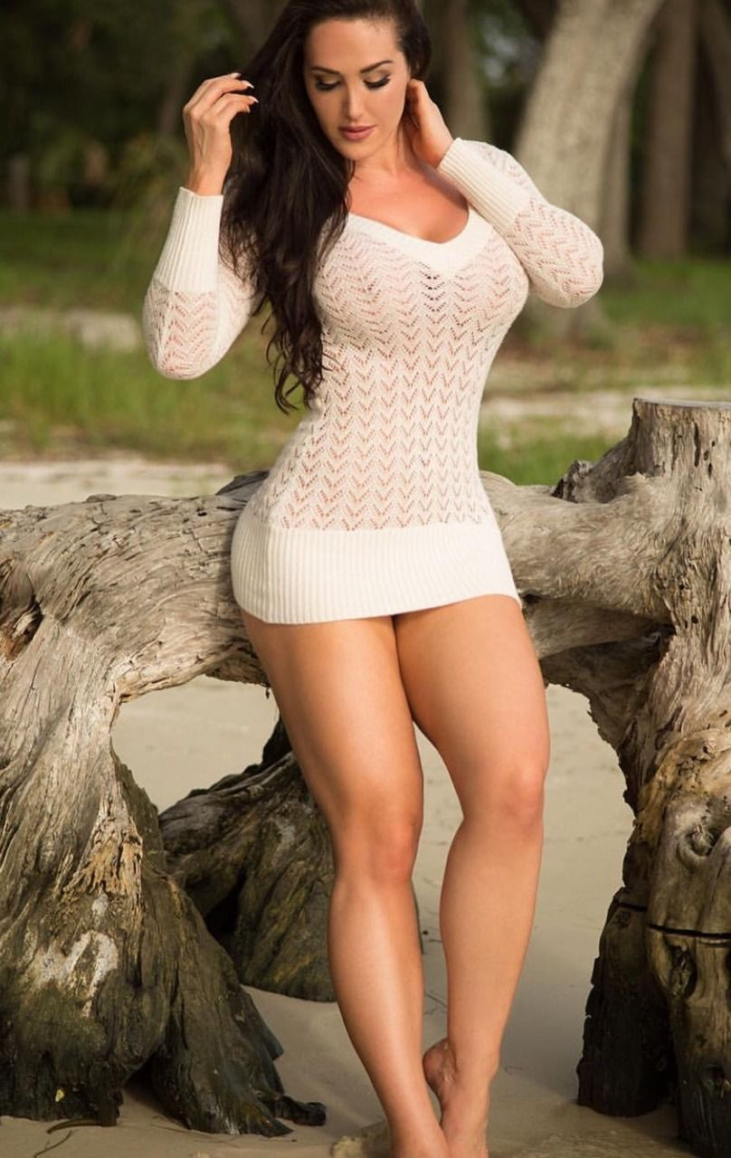 "formmb: ""Gia Macool looking sexy in long sleeved, white ..."