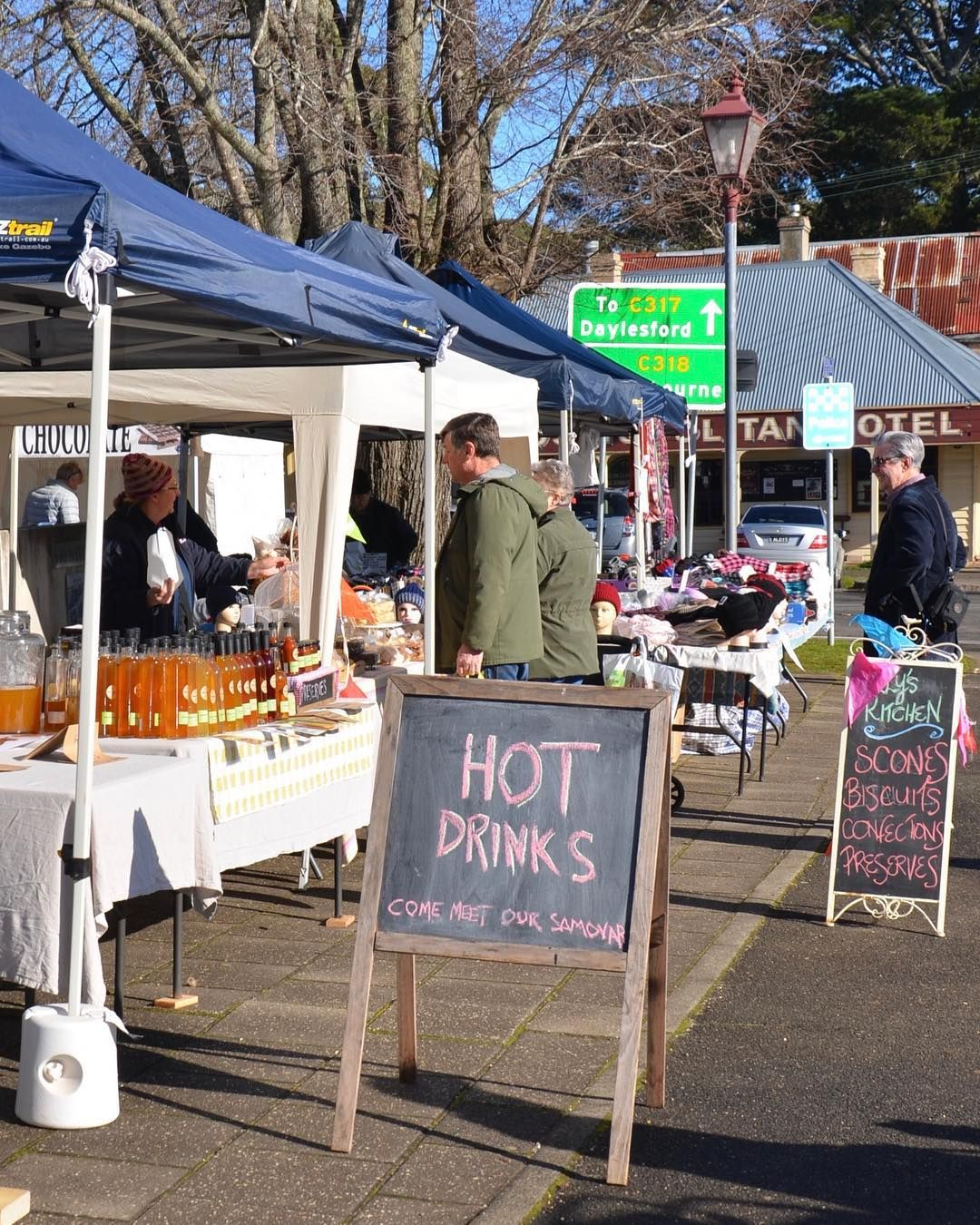 Trentham Farmers Market tomorrow. Fabulous produce and locally made goods. Open from 9am to 1pm in the town center. . . . : @turnaroundhere.com.au #trentham #trenthamvictoria #trenthamfarmersmarket #farmersmarket #visittrentham #visitdaylesford #visitvictoria #visitmacedonranges #localproduce #supportlocal #markettime #weekendgetaway #weekendmarket