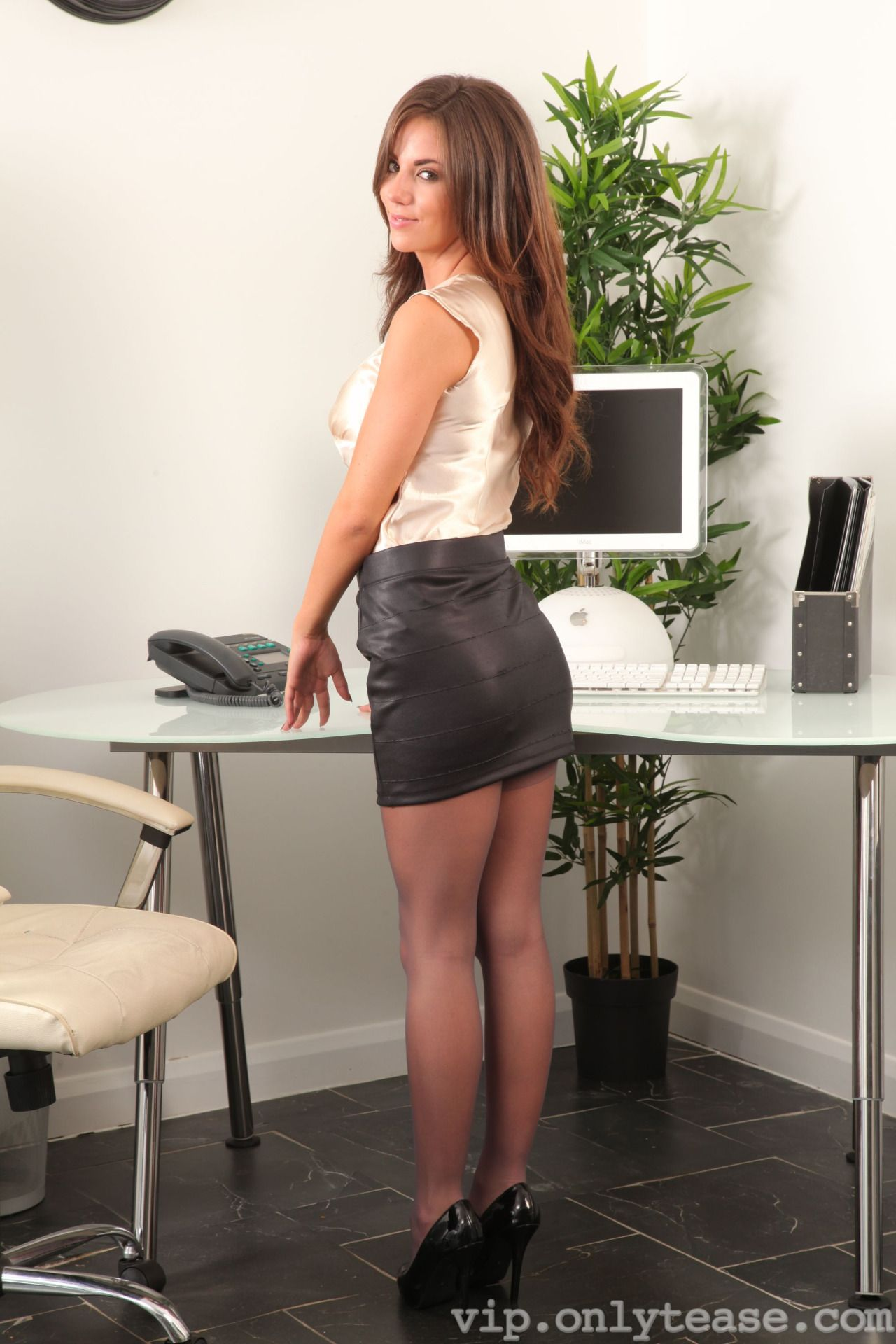 Only Secretaries Only Secretaries chicas Pinterest