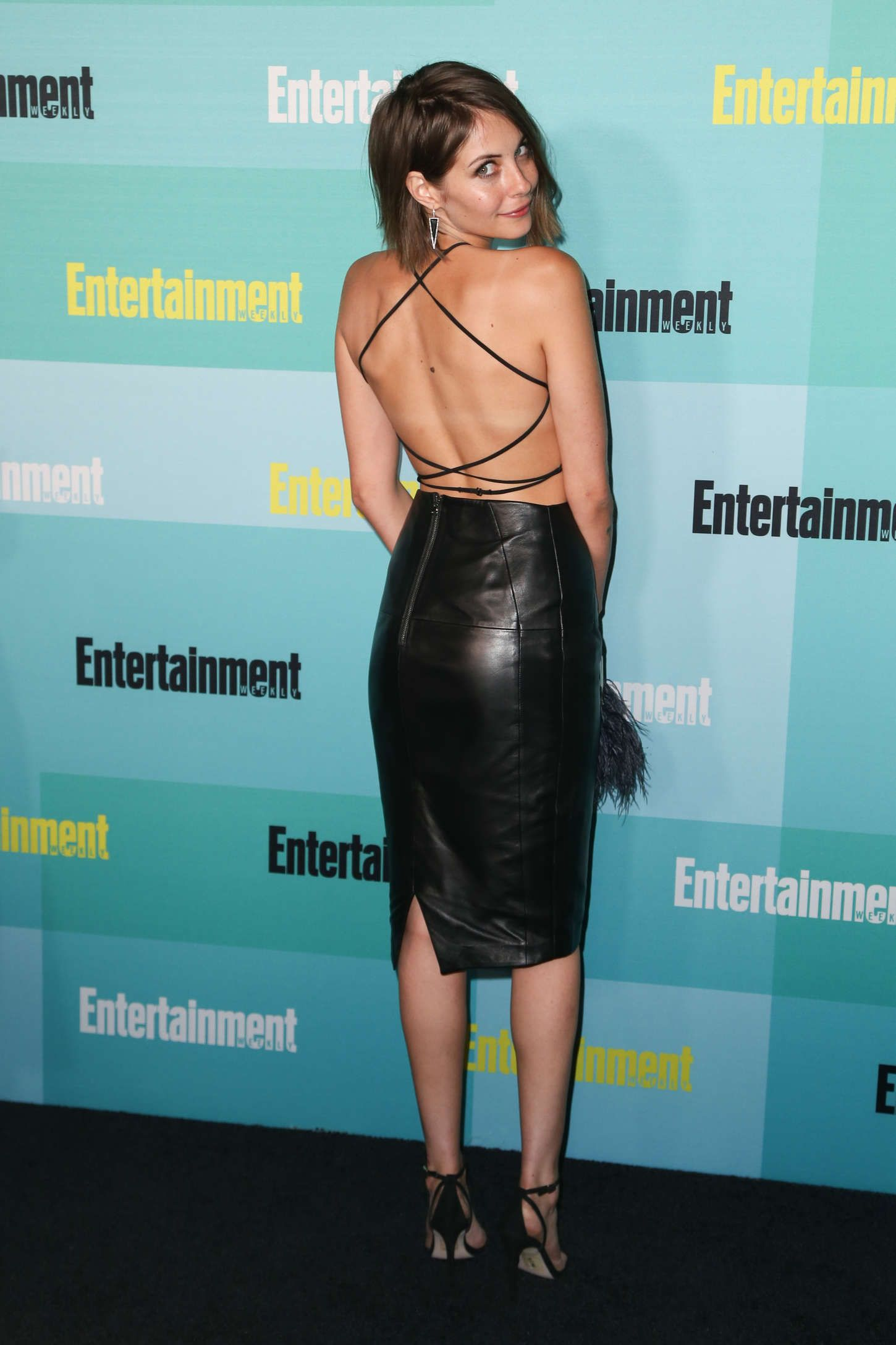 willa holland tumblr gif hunt