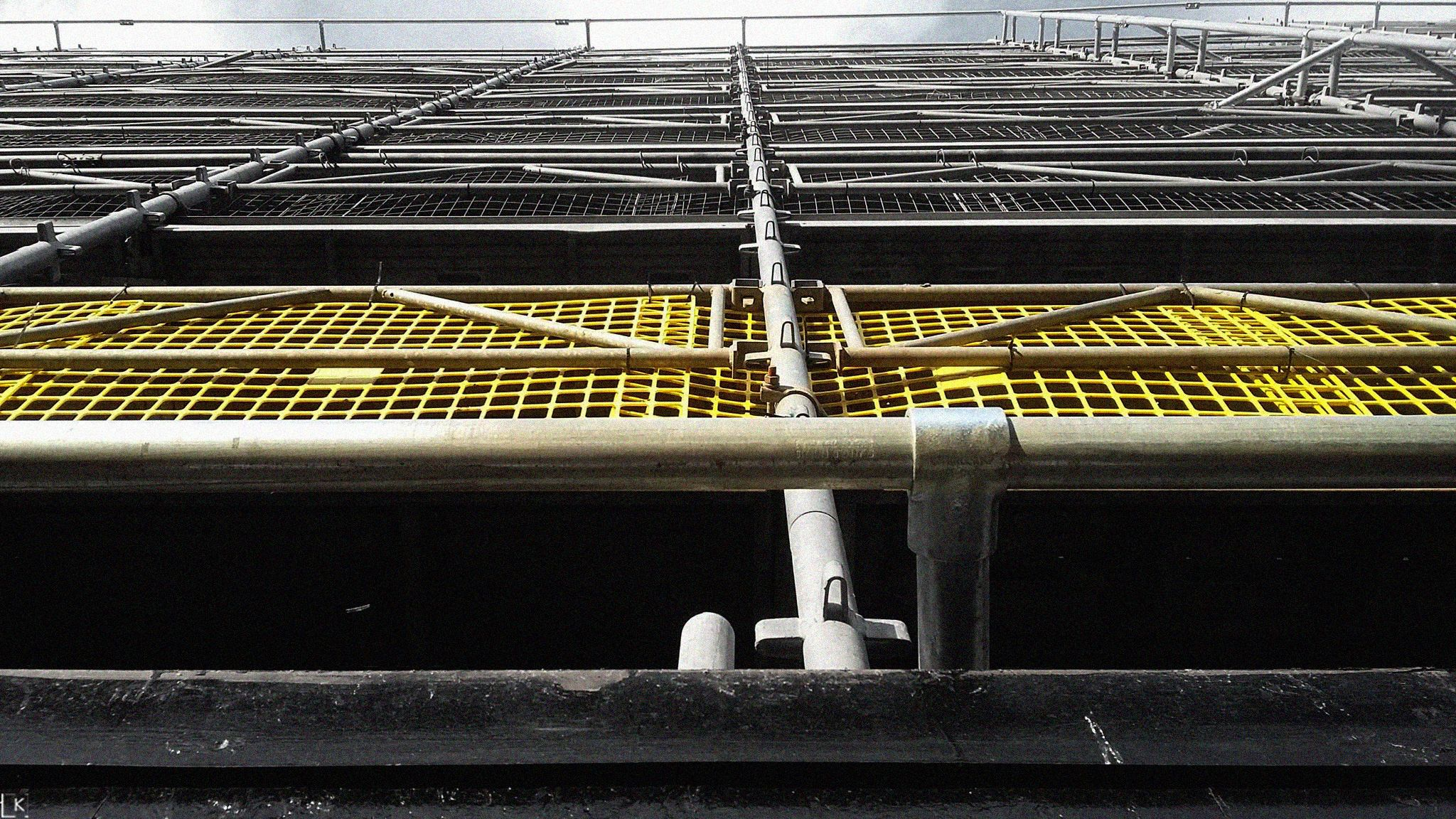 Urban Yellow Edinburgh Urban Yellow Princes Street Edinburgh Scotland Building Construction Yellow Yellow Construc Photo And Video Instagram Grayscale