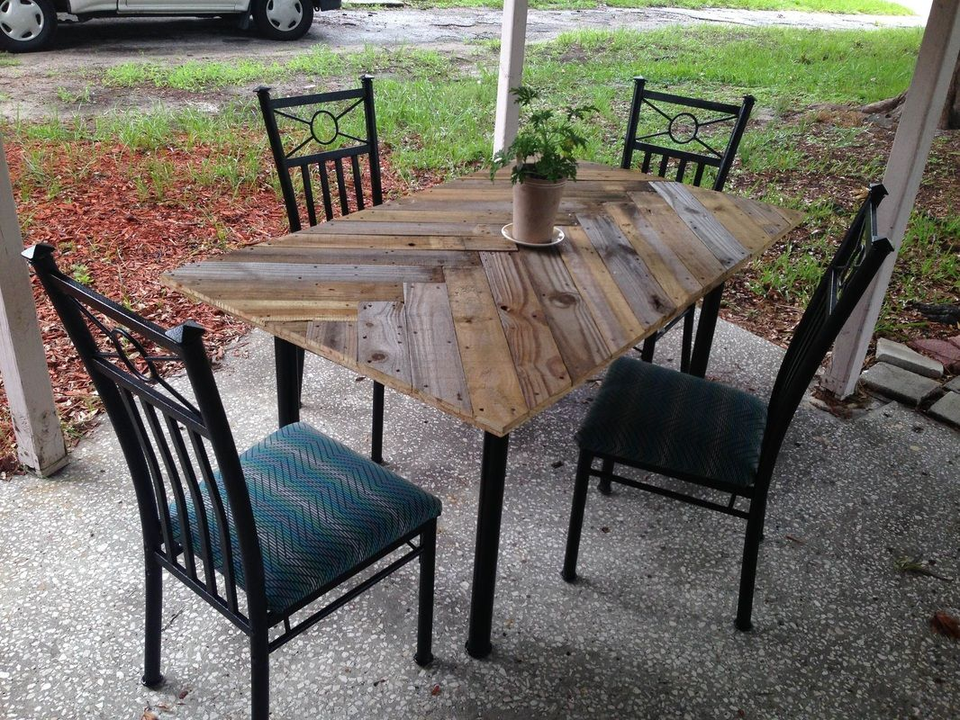 In Love Of Craigslist S Free Section Patio Table Redo Patio Table Patio Table Top