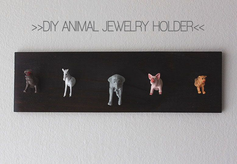I wanna make this DIY Jewelry Holder for my little niece <3