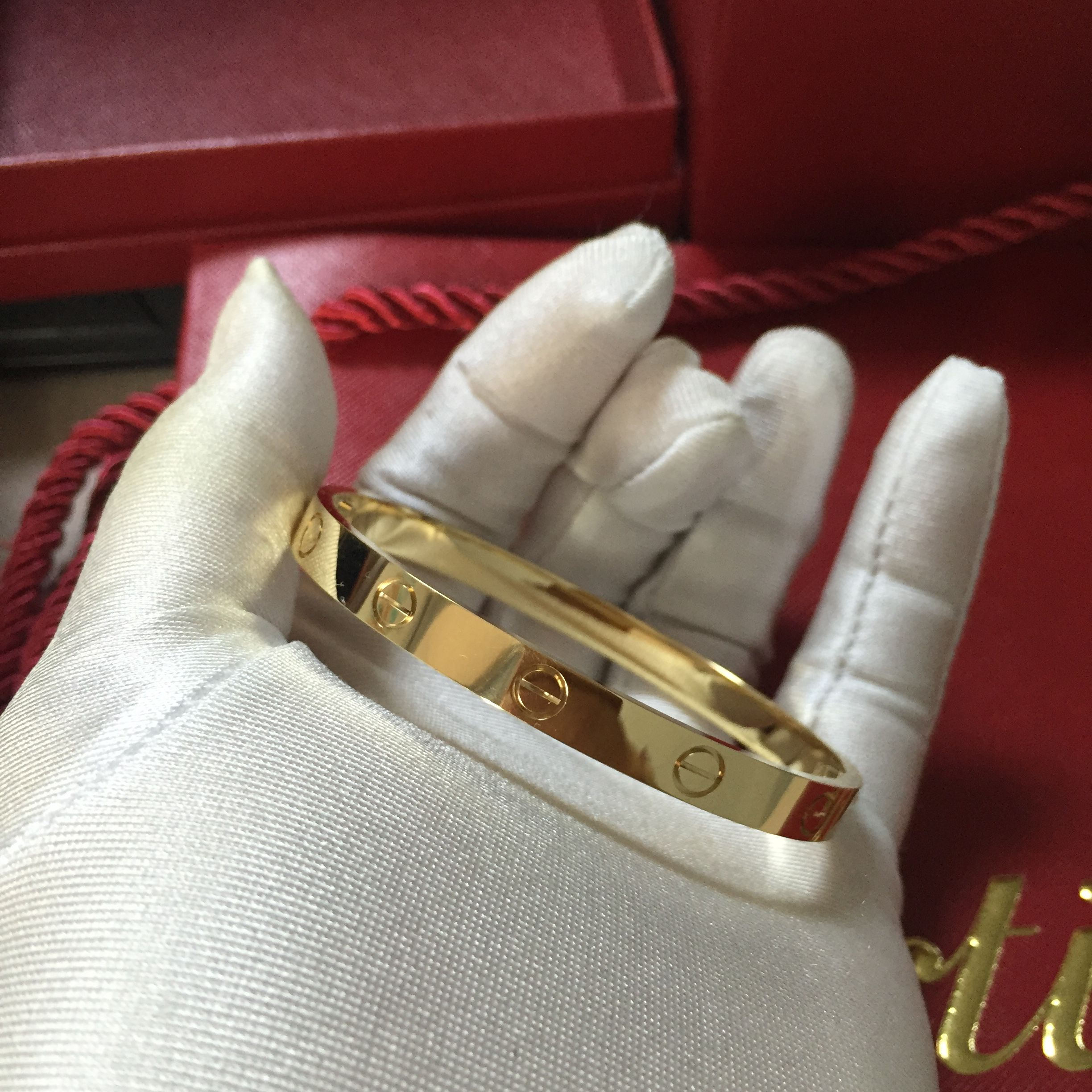 Solid 18k Yellow Gold Cartier Love Bracelet Size 15 21cm Still In Stock Gold Weight About 30 32g Cartier Love Bracelet Bracelet Sizes 18k Jewelry