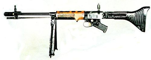 FG42 The FG42 is considered to be one of the fore-bearers of the...