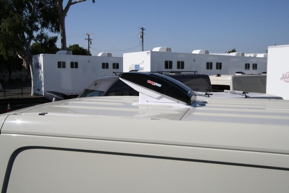 Maxxair Maxfan Deluxe Roof Vent Roof Vents Roof Roof Sealant
