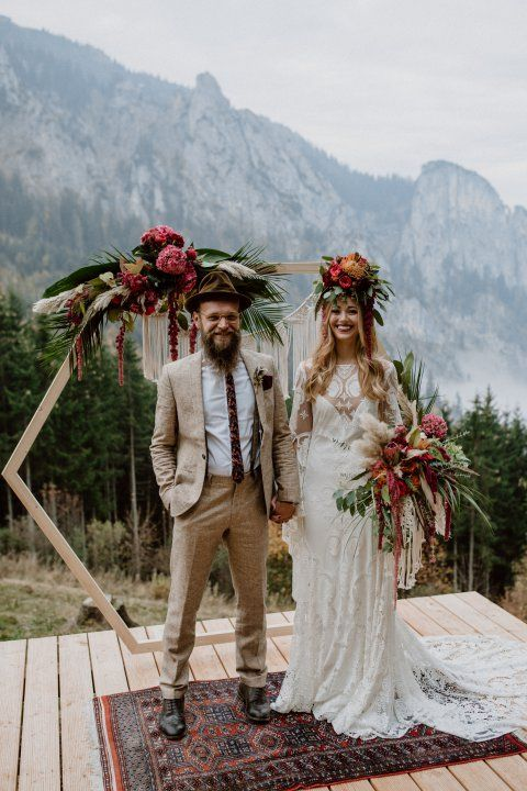 One Of Our Favourite Mountain Wedding Venues In Germany Contact Peach Perfect Weddings For More Info On How To E Bohmische Hochzeit Hochzeit Kleidung Hochzeit