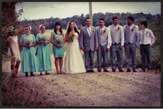 An Outdoor Family Wedding - some Amish, some not.   [RELAXNCHIC]