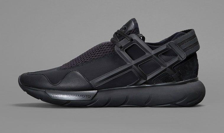 a5f05418f9 adidas-yohji-yamamoto-y-3-qasa-high-racer-hayex-sneaker-high -top-low-top-fall-winter-2014-mens-shoes-black-white-blog-showcase-1