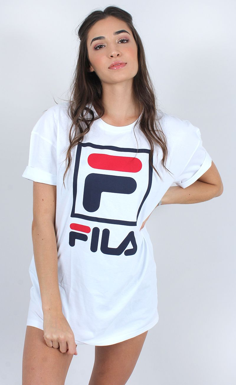 9acaf48597a21 STREET STYLE! camiseta fila stack oversized branco | Models❤ in ...