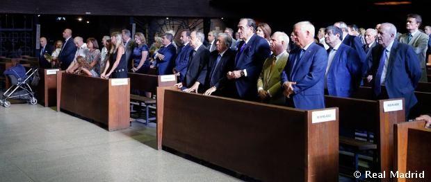 El presidente Florentino Pérez acudió a la misa funeral por Alfredo Di Stéfano.  http://bit.ly/1McaEu9