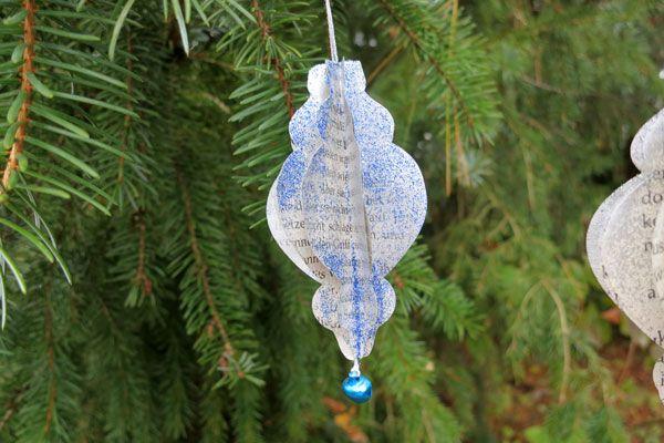 Kleine Ornamente aus Buchseiten