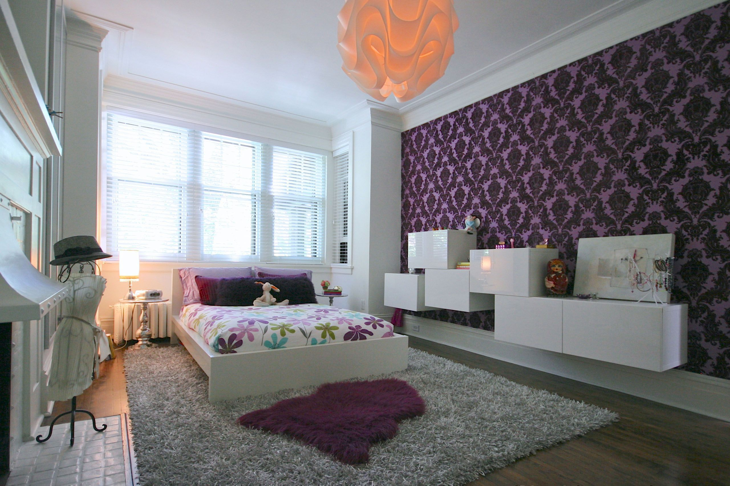 Bedroomkids Bedroom With Damask Decorating Idea Using Wallpaper And Colorful