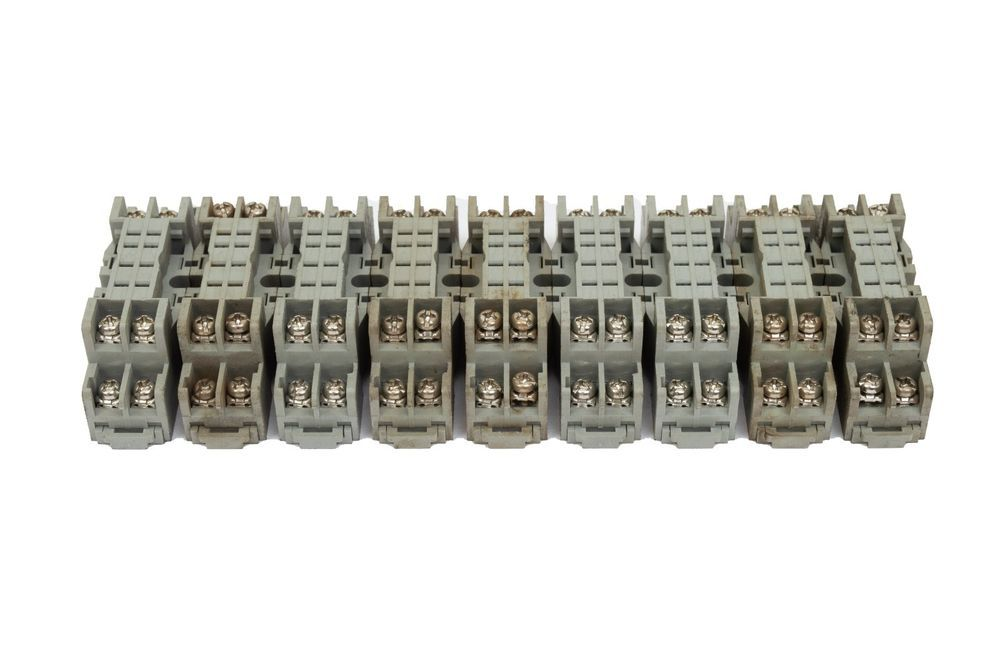 eBay #Sponsored Box of 9 IDEC SY2S-05 General Purpose Relay ... on idec relay base, idec relay schematic, idec spdt relay, idec relay 24v, idec safety relay, idec smart relay, idec solid state relays,