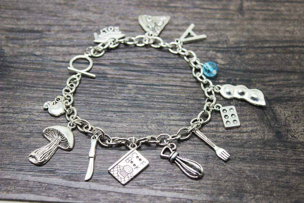 10pcs/lot personalized jewelry I Heart COOKING,  Eggs, Pie, Cook Book, Blender,Beater, knife  fork charm wire Bangle bracelet