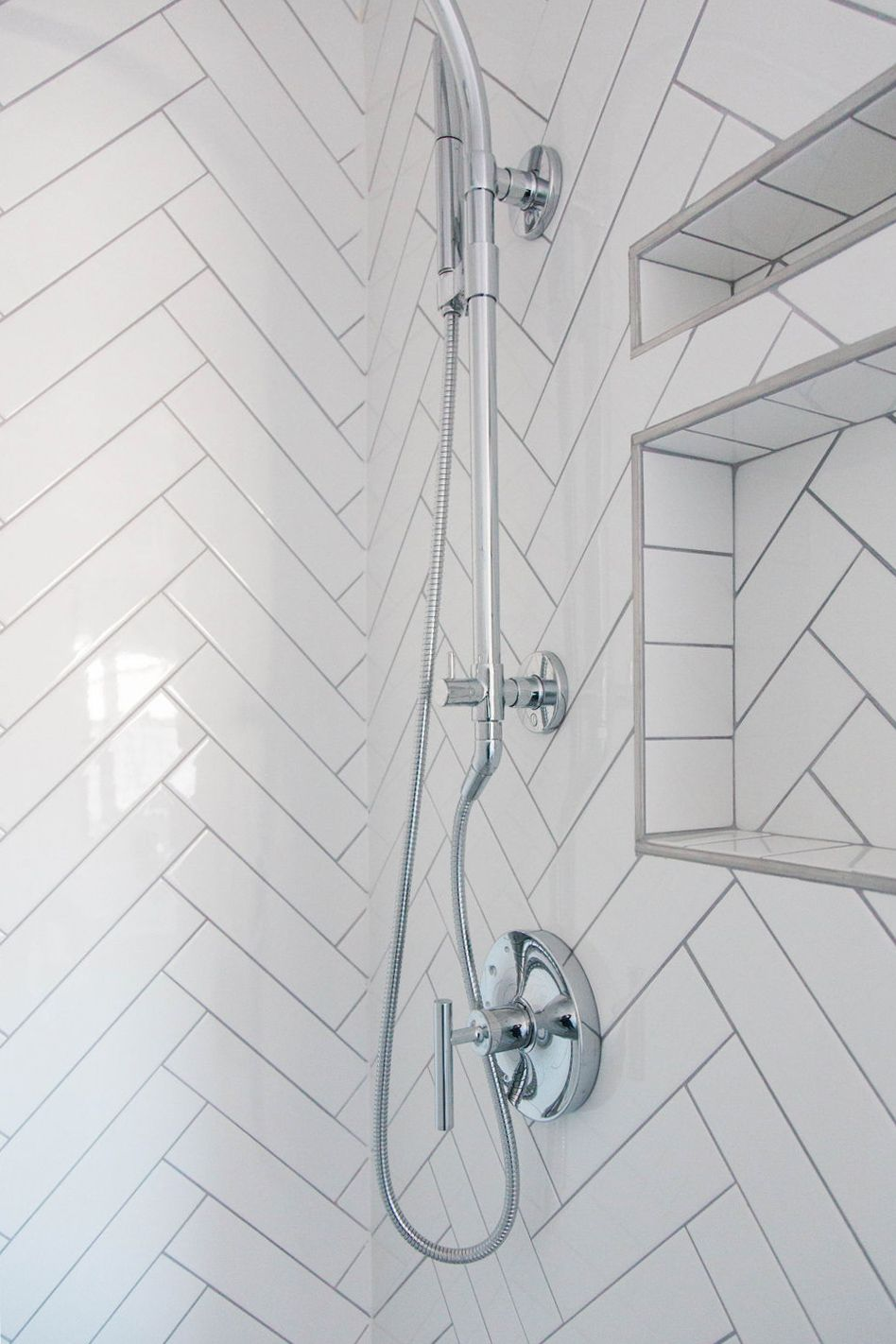 How Much Does It Cost To Remodel A Bathroom In 2020 Remodel Bathroom Design Living Room Mirrors