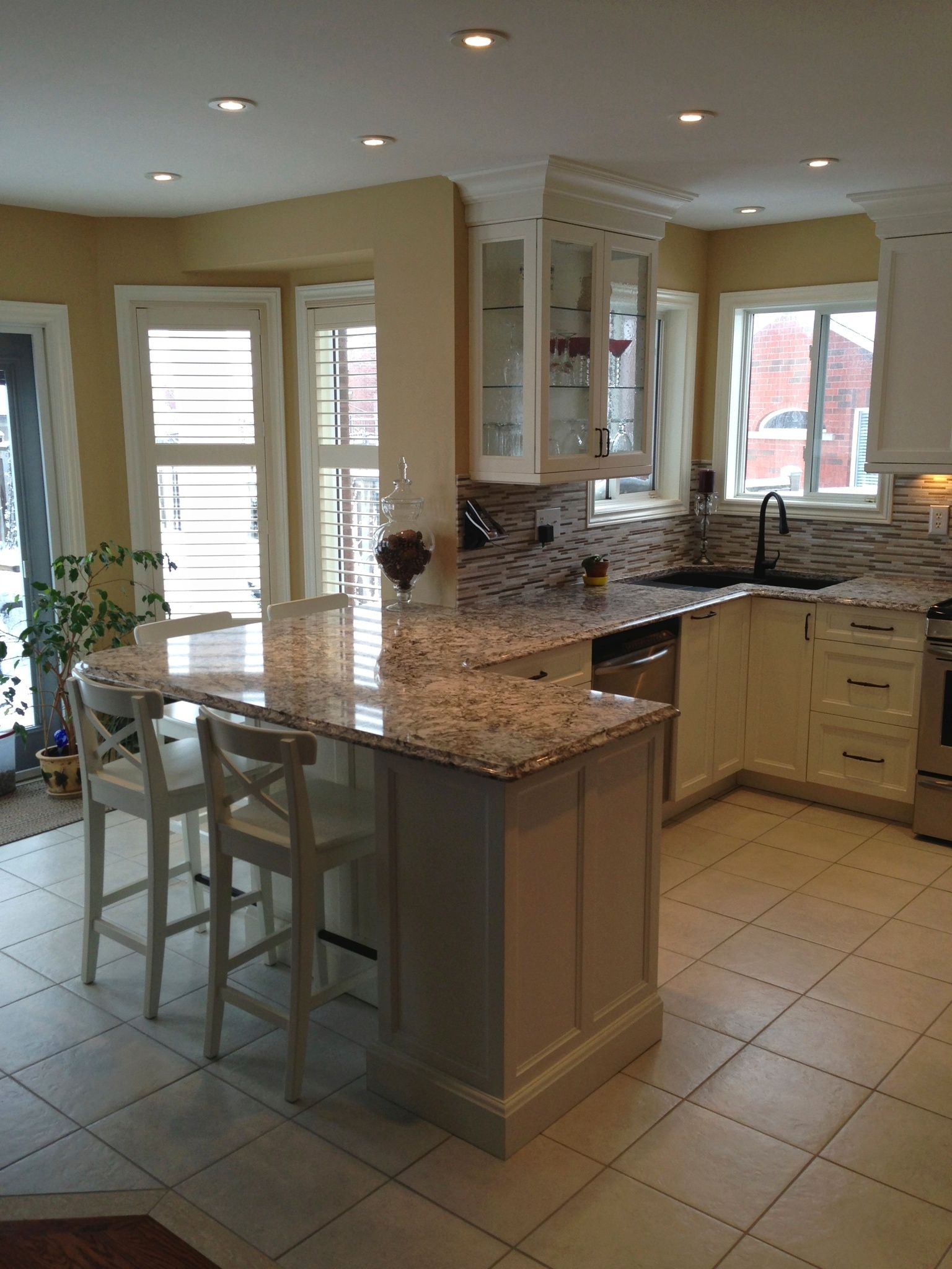 Painted Frameless Kitchen With Cambria.