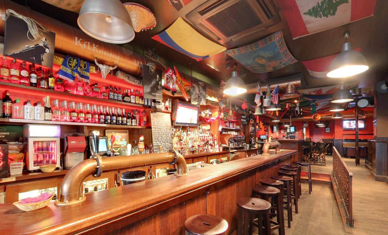 james hetfeeld 39 s pub 17 boulevard poissonni re 75002. Black Bedroom Furniture Sets. Home Design Ideas