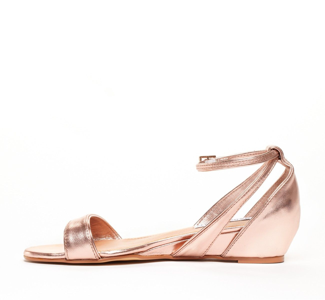 Metallic mini wedge