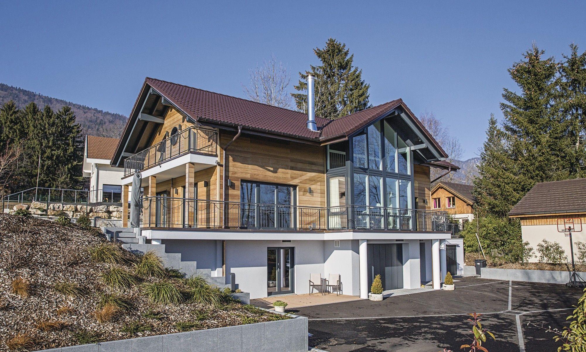haus am hang mit holzverschalung hillside house country modern home house