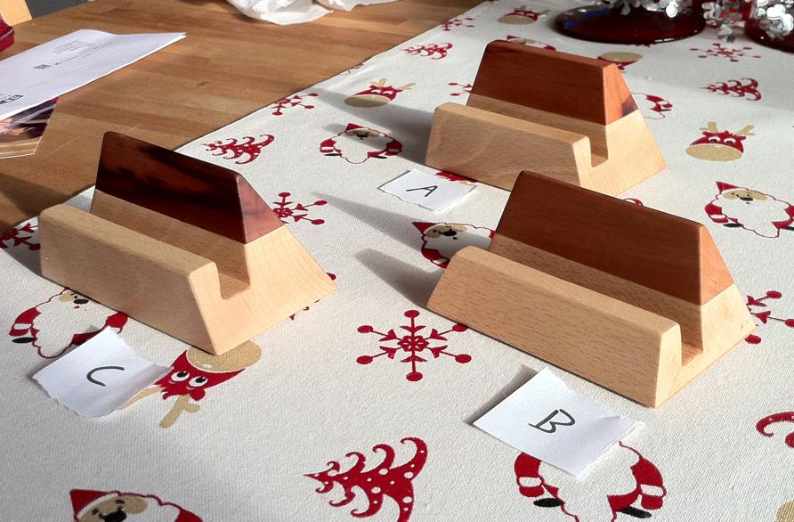 simple wooden iphone stands holz design ideen in 2019 pinterest design ideen design und holz. Black Bedroom Furniture Sets. Home Design Ideas