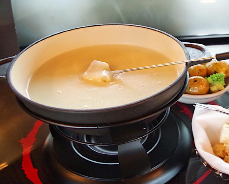 Fondue savoyarde: la recette facile et traditionnelle #fonduesavoyarde