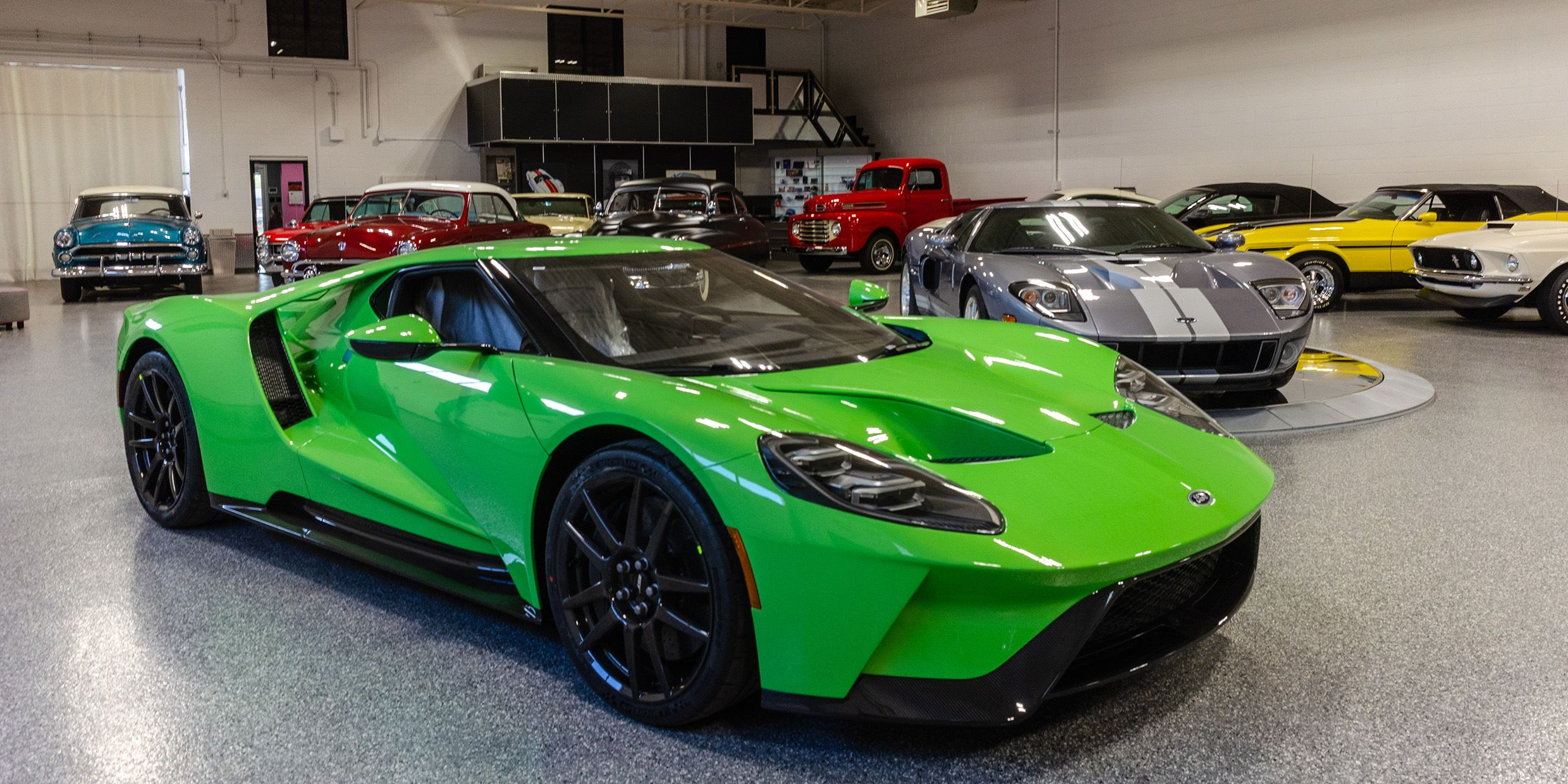 on the road 2018 ford gt cars ford gt ford cars rh pinterest co uk